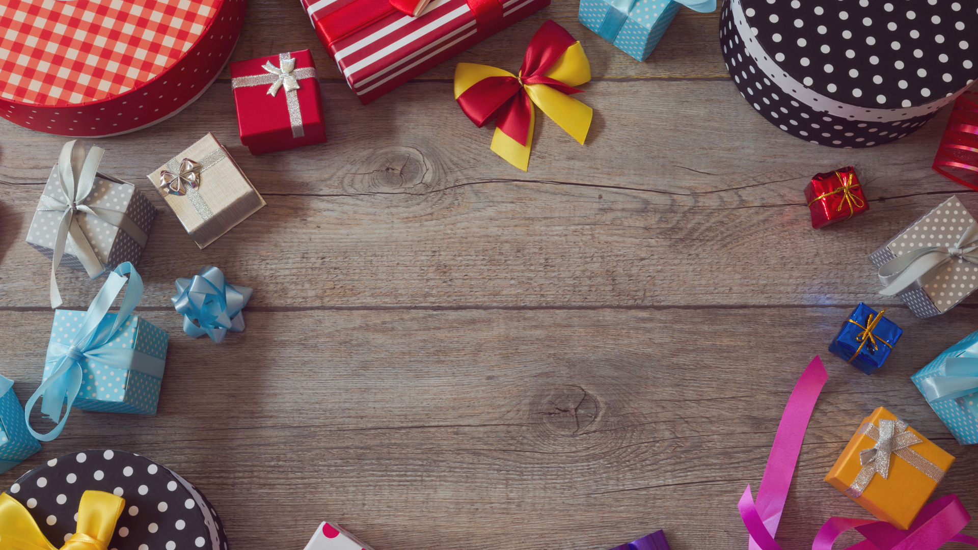 Sales and warehousing prediction for the gifts shop